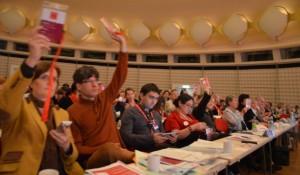 Antragsberatung beim Landesparteitag der Berliner SPD (Quelle: SPD Berlin)