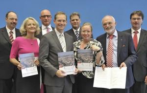 Partner im Mietenbündnis: Land Berlin und städtische Wohnungsbaugesellschaften; Foto: Landesarchiv